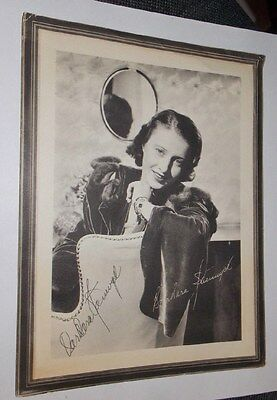 BARBARA STANWYCK SIGNED VINTAGE 9x12 GIVEAWAY PROMO PHOTO