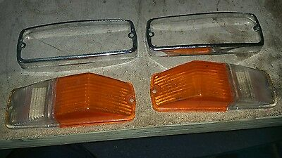 Pair Front Indicator & Sidelight lenses and chrome from MGB.