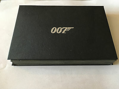 Coffret Goodies 007 James Bond Stylo Porte Cles Et Reveil Cadran