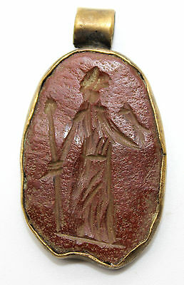 Roman Gold Intaglio medallion,with Jasper stone depicting FORTUNA 100-200 AD