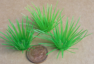 1:12 Scale 3 Plastic Tufts Of Grass Dolls House Miniature Garden Accessory