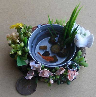 1:12 Metal Round Tub With A Single Fish Dolls House Miniature Garden Accessory