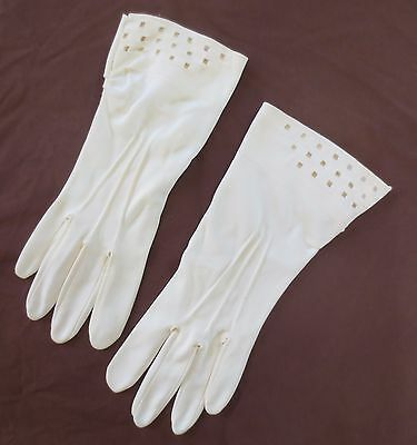Smart cream vintage dress gloves with cutwork top size 7.5 - 8