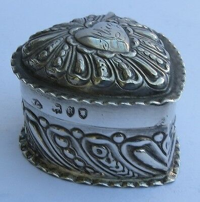 SUPERB VICTORIAN ENGLISH SILVER HEART RING BOX by WILLIAM COMYNS c.1892