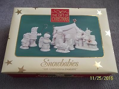 """2001 Dept. 56 Snowbabies  """"The Christmas Pageant"""" Nativity Scene Beautiful look"""