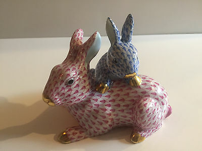 Herend Kingdom Classic 2013 Mother Baby Rabbit Blue + Pink Fishnet Figurine 5391