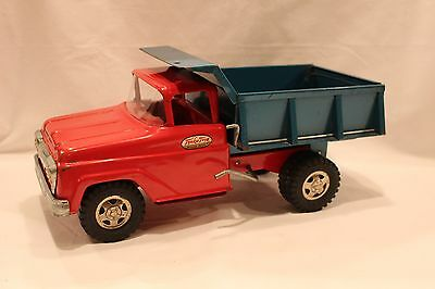1961 Tonka #06 Dump Truck in Red & Teal in Good Condition Construction Farm Toys