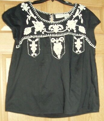 Womens FORBIDDEN black short sleeve blouse w/white trim & embroidery