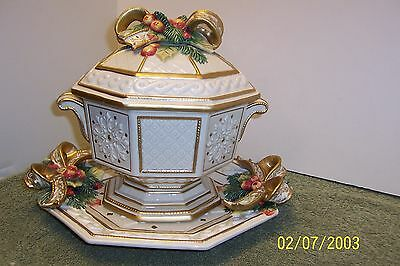 "Gorgeous Fitz & Floyd Snowy Woods 7"" Tureen With Lid & Underplate! Excellent"