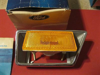 NOS 1970 Ford LTD,Custom,Galaxie right front marker lamp assembly
