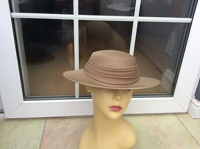 Ladies Vintage Green Hat For Weddings/races/special Occ's,kangol New With Tags