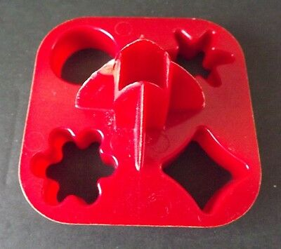 Tupperware #730 RED Veggie Radish Canape Play Dough Cookie Cutter FREE SHIPPING