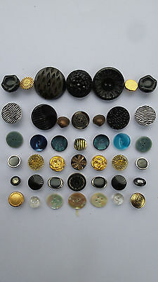 JOB LOT 40 ASSORTED DECORATIVE VINTAGE BUTTONS  Crafts/Upcycling