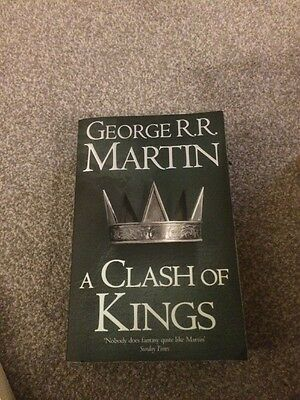 A Clash of Kings: Book 2 of A Song of Ice and Fire by George R. R. Martin (Pape…