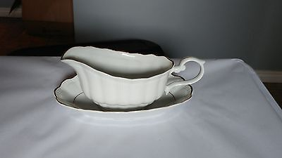 Walbrzych Empire Gravy Boat & Underplate in Excellent Condition