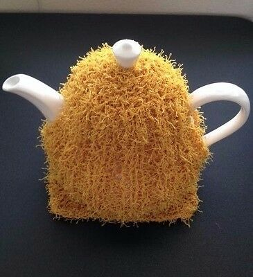 Beautiful Hand Knitted Tea Cozy & Mat