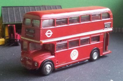 EFE Routemaster RM 1/76 bus model