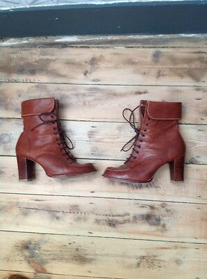 Vintage 70s Brown Leather Heeled Ankle Boots 6