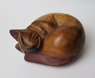 ANTIQUE / VINTAGE - WOODEN - SLEEPING CAT - STATUE / FIGURE ORNAMENT - 95g
