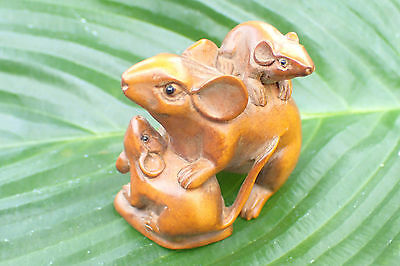 Netsuke Hand Carved Mother and Baby Rats