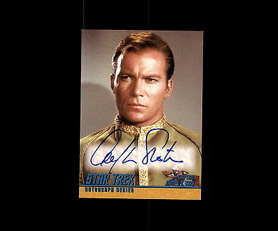 William Shatner AS Captain Kirk TOS 1997 Skybox Autographed Card Auto A1