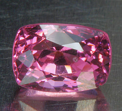 SPINELL / SPINEL        tolle  Farbe    0,79 ct