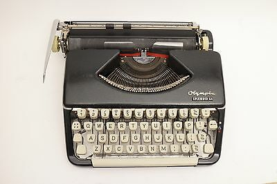 Olympia Splendid 66 typewriter made in west Germany