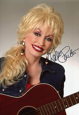 """Dolly Parton ~ American Country Music """"legend"""" ~ Hand-Signed 12X8 Photo + Coa"""
