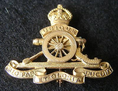 A Lovely, Large  9ct Solid Gold Royal Artillery Sweetheart Pin / Brooch