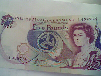 isle of man £5..  bank note in good condition