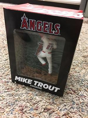 Mike Trout Wall Catch Figurine MINT NIB Los Angeles Angels SGA 5/20/16 2016