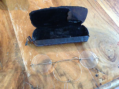 Pair of Vintage Spectacles Glasses Needs Attention Collectable Round in Case