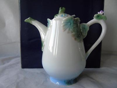 Boxed Franz Porcelain Amphibious Collection Frog Teapot & Cover by Ming Lei