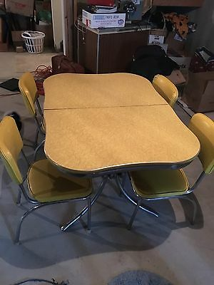 Vintage Kitchen Table 1950'S With Four Chairs