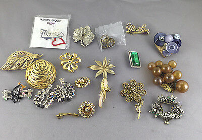 Large Lot of Costume Jewelry Brooches Pins Vintage and Modern Trifari & Unsigned