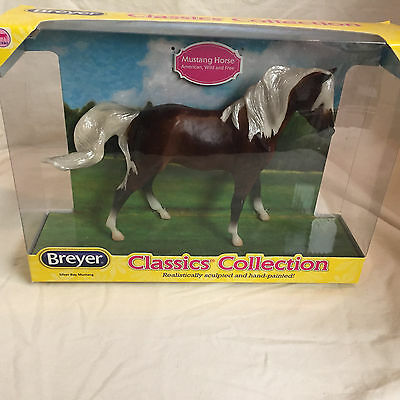Breyer Horse # 934 Silver Bay Mustang Classic Collection * New In Box *