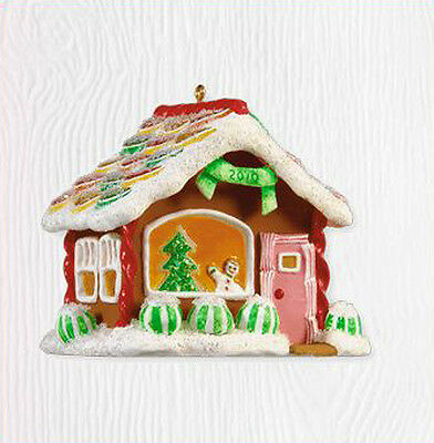 2010 Hallmark NOELVILLE Ornament 2010 LOLLIPOP STREET Gingerbread House Priority