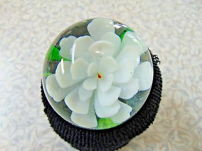 ❤ Hand Blown WHITE WATER LILY Glass Paperweight