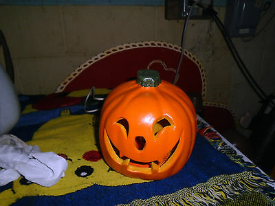 VINTAGE small scary PUMPKIN BLOWMOLD LIGHTED