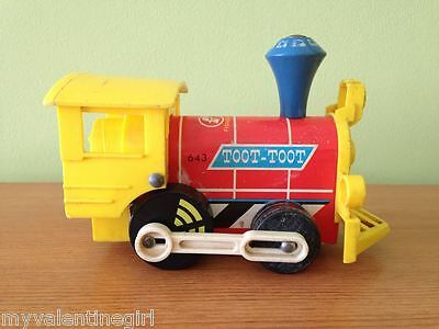 Fisher Price Toot Toot Train ~ Vintage 1964 Toy No 643