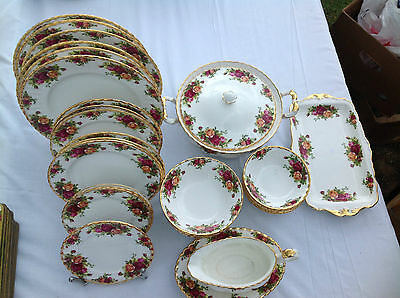 Royal Albert Old Country Roses Dinner Service For Six People