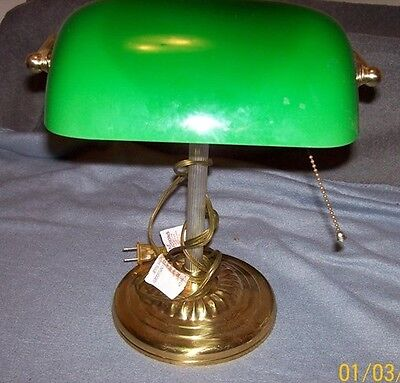 Classic Bankers Desk Lamp With Green Glass Shade - Works