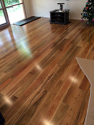 SPOTTED GUM FLOORING 1820mmX122mmX18MM PRE-FINISHED SOLID TIMBER FLOOR