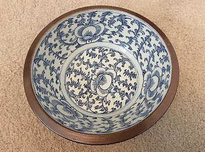 19th CENTURY CHINESE BLUE AND BROWN PORCELAIN BOWL