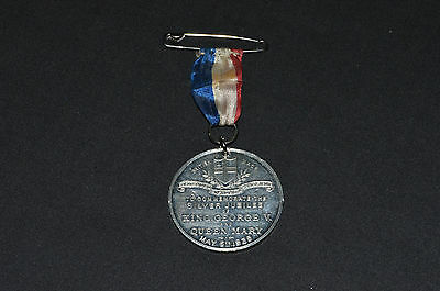Vintage pewter GEORGE V medallion 1935 Silver Jubilee with ribbon