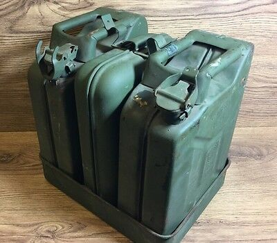 Rare KRAFTSTOFF 5 Liter German Army Jerry Cans & Base Land Rover Re Enactment