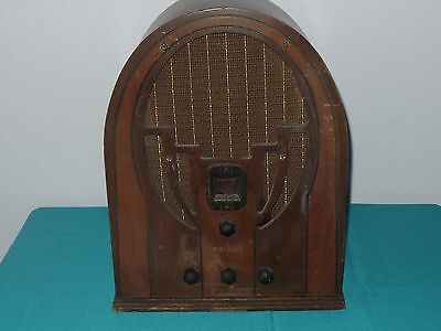 Philco Type 60 cathedral tombstone radio cord is terrible unable to test.