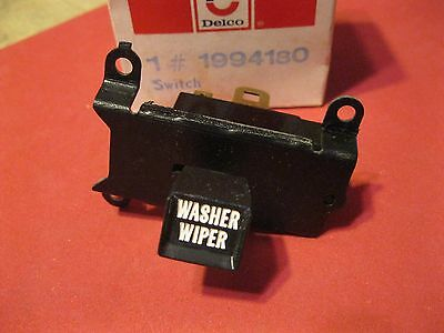 Nos 1972-74 Chevrolet Chevelle and Nova Windshield Wiper and washer Switch
