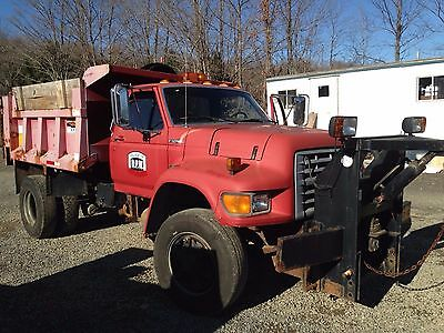1998 Ford F800 Diesel Dump Plow Truck ONLY 22,000 miles