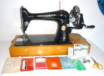 SINGER SEWING MACHINE Model 66K Hand Crank+accessories+Instructions